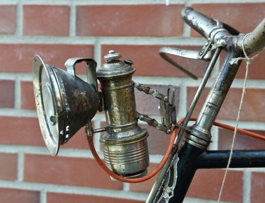 Historischer Karbit Fahrradscheinwerfer